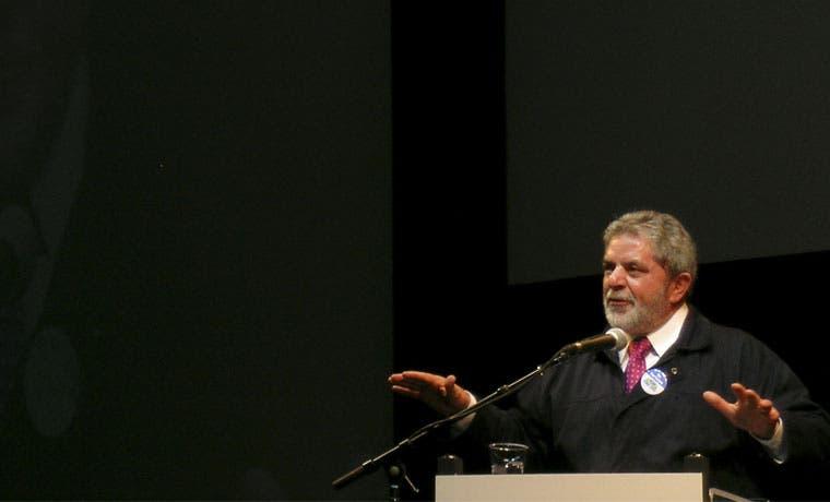 Expresidente Lula busca salvar a Rousseff