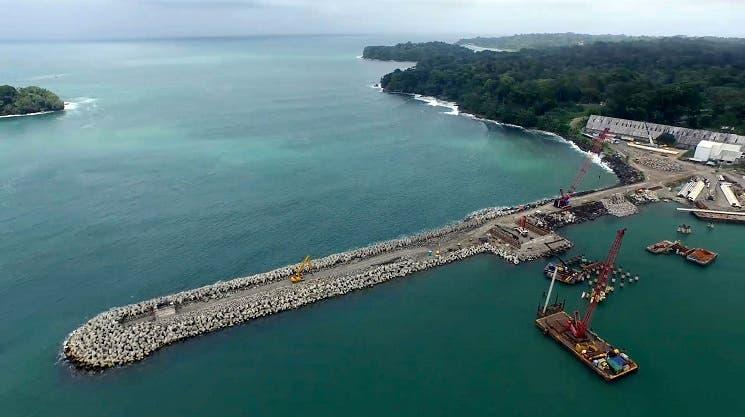 Muelle petrolero listo para inicios de 2016