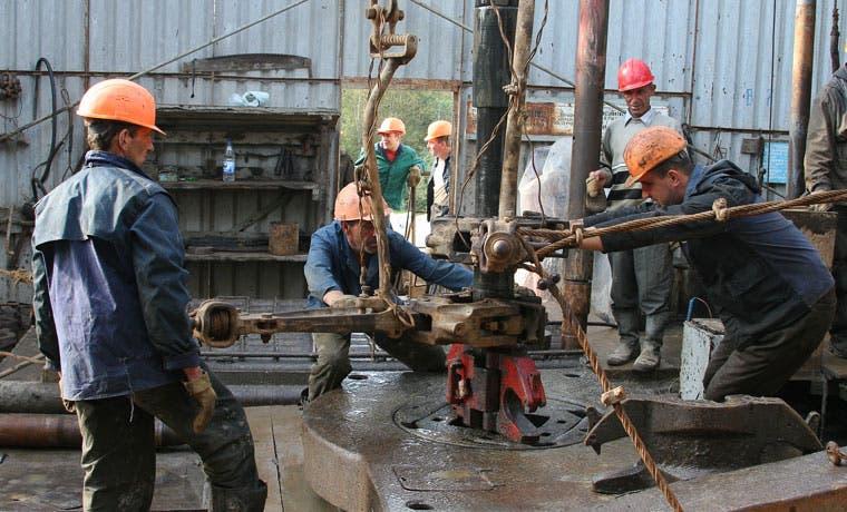 Petróleo supera $50 y OPEP pronostica más alzas