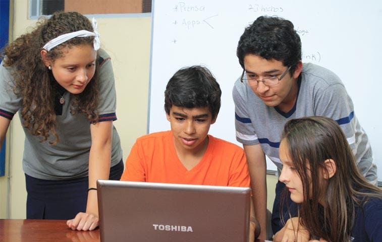 App de jóvenes ticos gana Hackathon Europeo