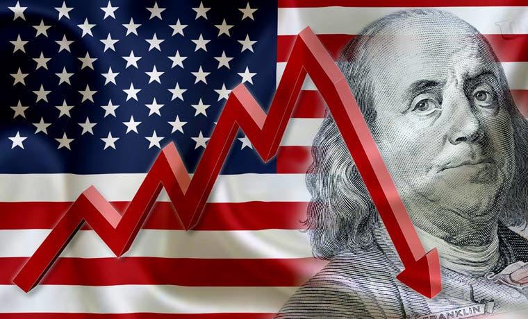 Dólar se encuentra en su peor nivel tras reportes económicos