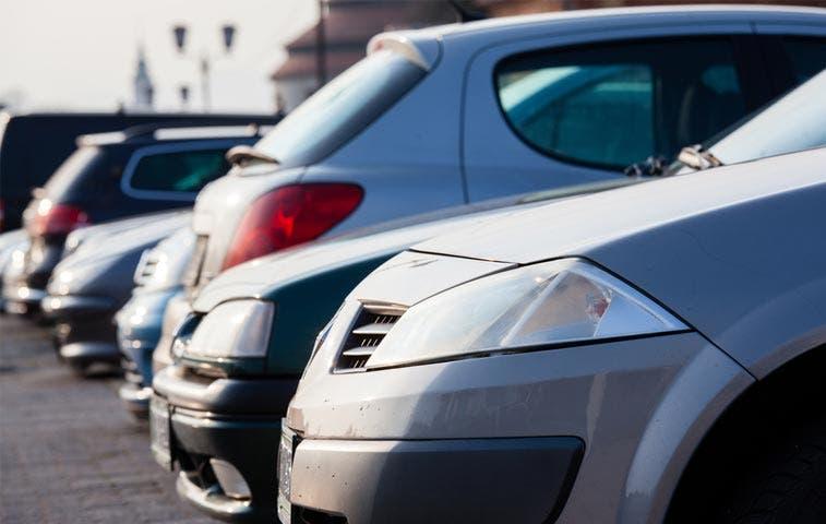 Feria ofrece autos usados desde los ¢4 millones