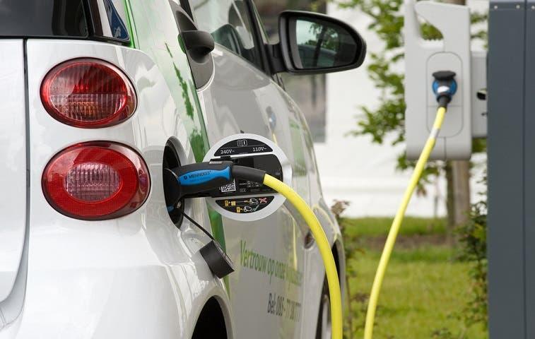 Proyecto de ley promueve uso de vehículos eléctricos