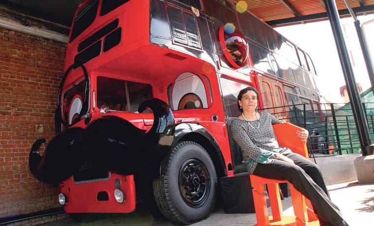 Bus inglés es inquilino del Museo de los Niños
