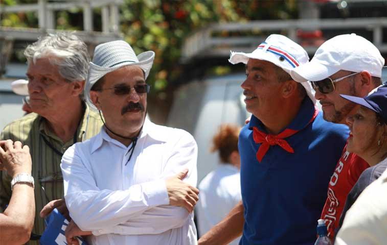 Sindicatos no logran acuerdo con Solís y mantienen huelga