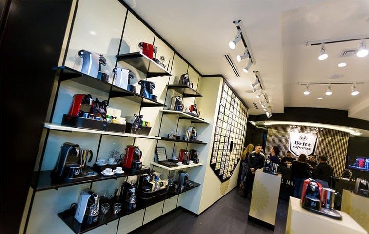 Britt abre primera tienda Espresso en Multiplaza Escazú