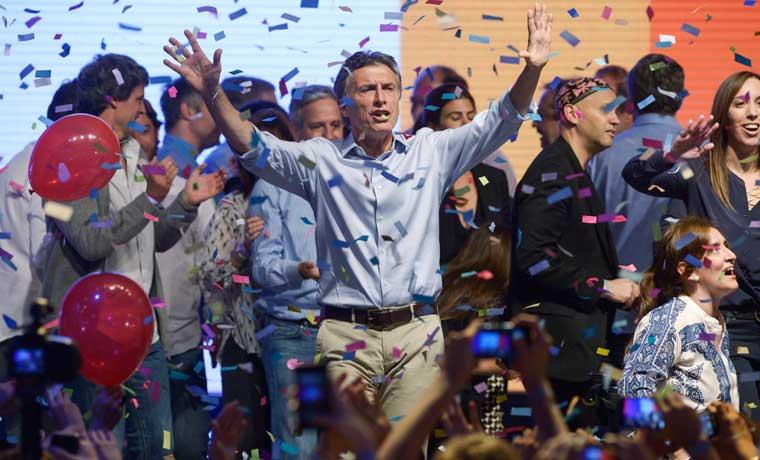 Sorpresa electoral en Argentina da impulso a tres operaciones