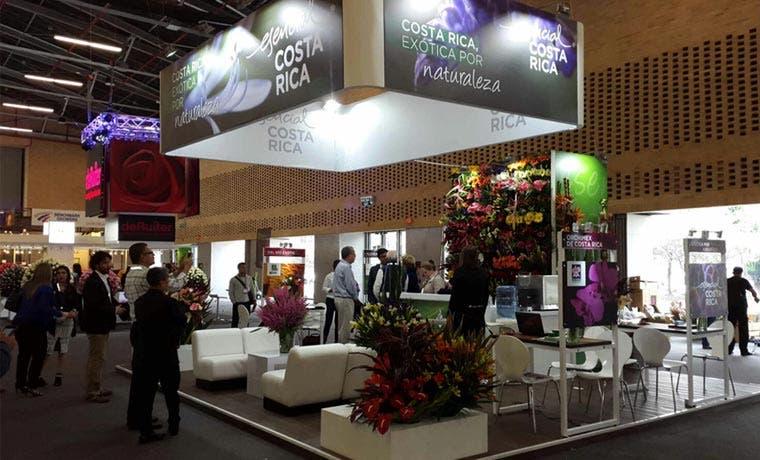Siete empresas exhiben plantas y flores en evento global