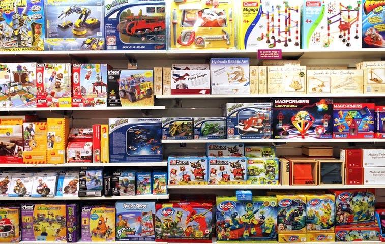 Toys abre juguetería en Multiplaza Escazú