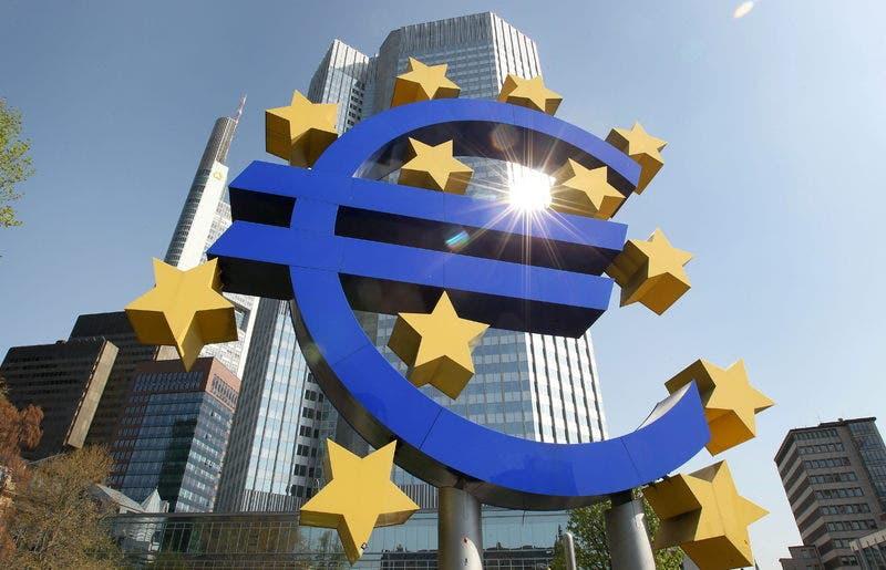 Bancos griegos necesitan 14 millones de euros