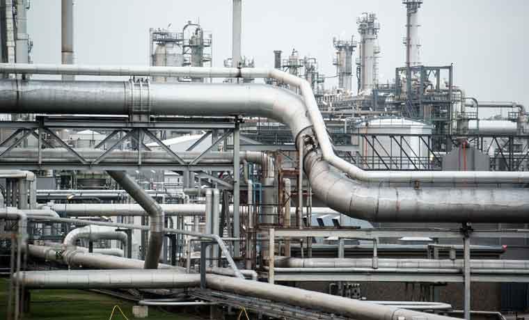 Petroleras bajan ambiciones de megaproyectos por esquisto en EE.UU.