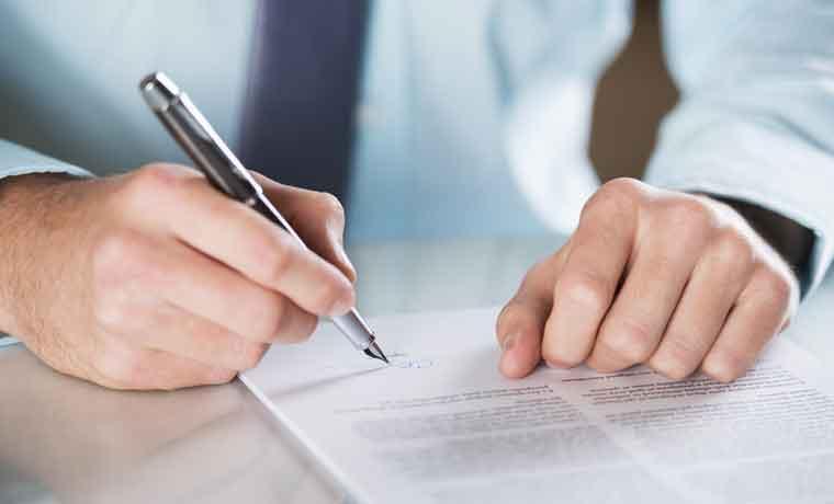 Costa Rica atrás en cumplimiento de contratos