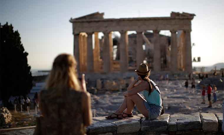 FMI presiona a Europa por reestructuración de la deuda griega
