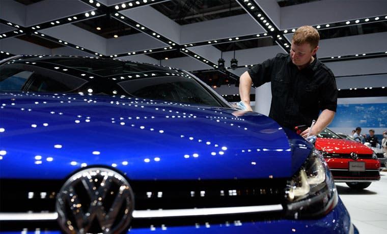 Acciones de Volkswagen se desploman por nuevas acusaciones de EE.UU.
