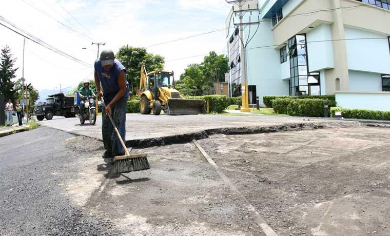 Insuma y Grupo Marshall repararán socavamiento en vía férrea en Tibás