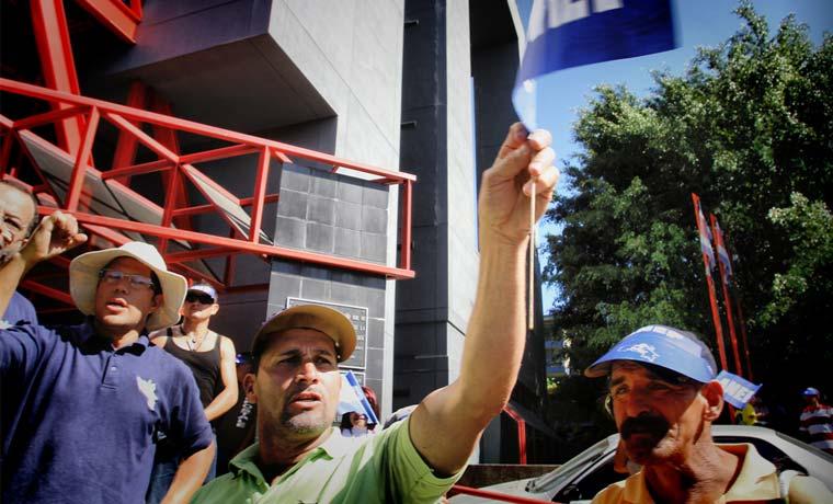 Grupo de ciudadanos protestará contra el gobierno este domingo