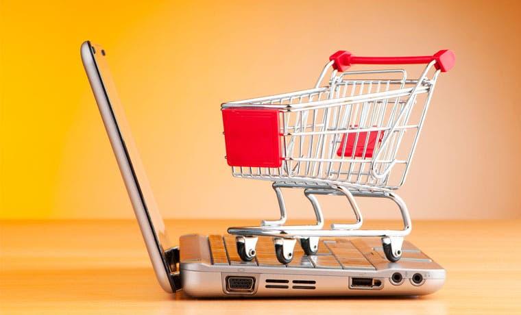 Hacienda advierte sobre compras inseguras por Internet