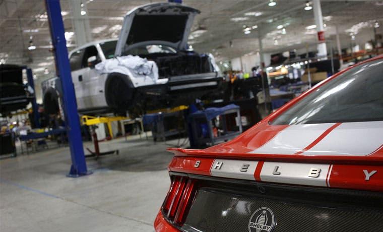 Ford dice que ofrece mejores bonos a sus empleados que General Motors