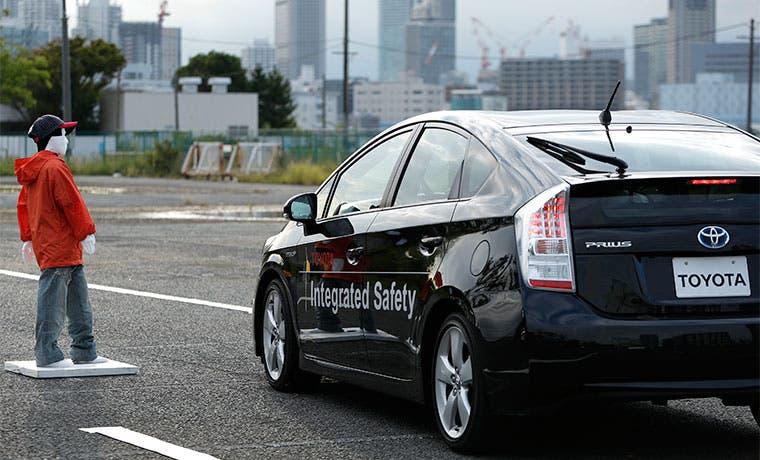 Toyota invierte en un centro para desarrollar autos que no chocan