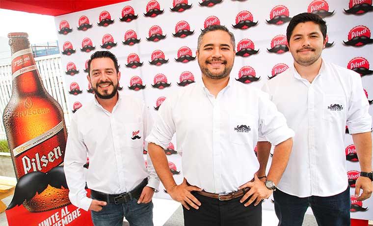 """Empresas se ponen el bigote del """"Movember"""""""