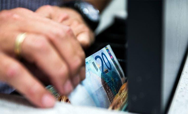Presentan nuevo billete de 20 euros, más difícil de falsificar