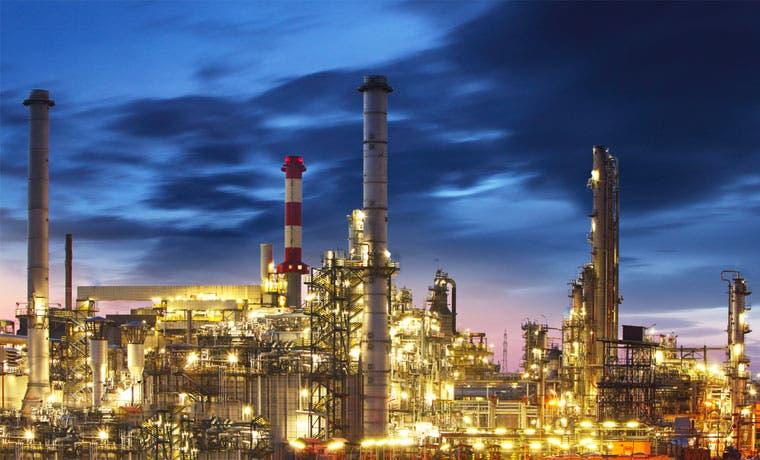 Reservas récord de barriles de petróleo podrían debilitar los precios