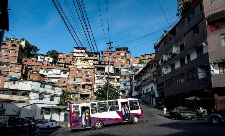Venezuela se vuelve más pobre que Bolivia y aliados divergen