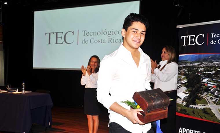 TEC brindó reconocimiento a mejores promedios de admisión