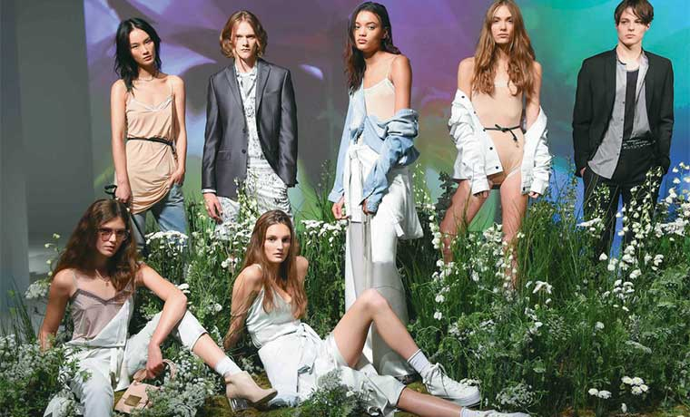 Calvin Klein lanza colección