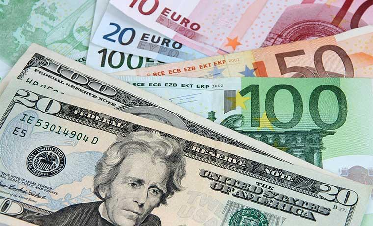 Euro queda al borde de su cotización más baja en seis meses tras atentados