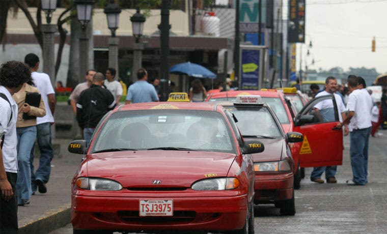 Tarifas de taxis con rebajas hasta del 20%