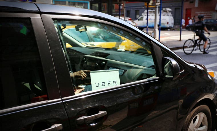 Uber llegó a Uruguay en medio de protestas