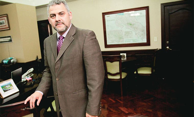 "Segnini: ""MOPT es incapaz de construir grandes obras"""
