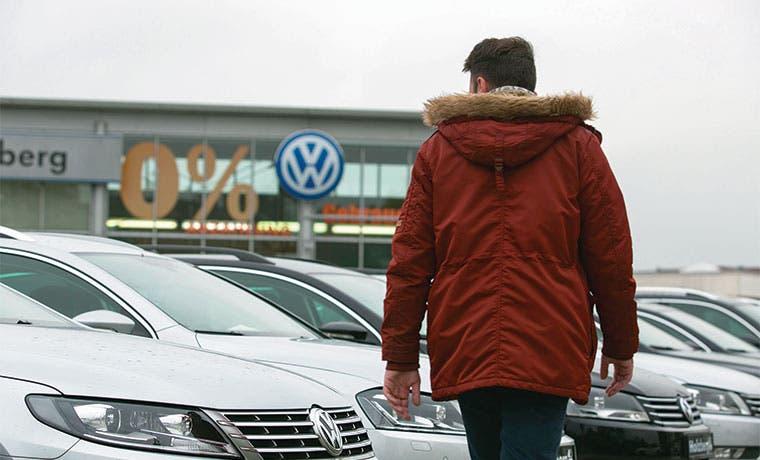 VW suspendería plan de inversión de cinco años debido a escándalo
