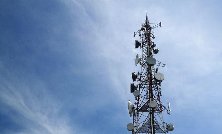 ICE lleva telefonía celular e Internet a Talamanca