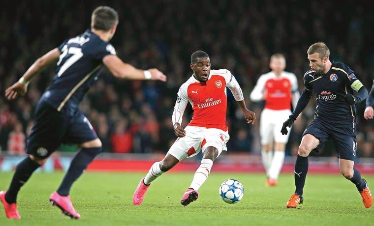 Arsenal cumplió, Campbell también