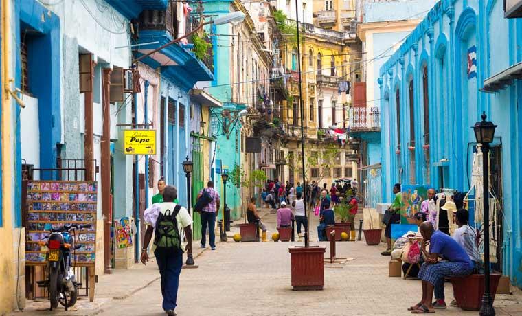 Ecuador pedirá visa a cubanos
