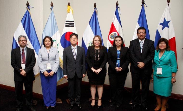 Servicios e inversión avanzaron en negociación del TLC entre Centroamérica y Corea del Sur