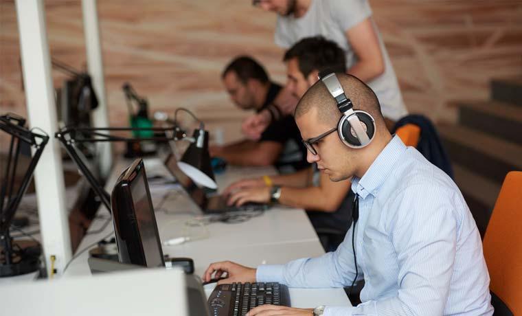 Empresa costarricense ofrece 25 puestos en tecnología