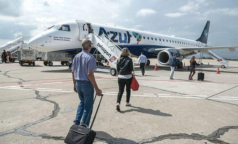 Recesión da en tierra con los sueños de aerolíneas brasileñas