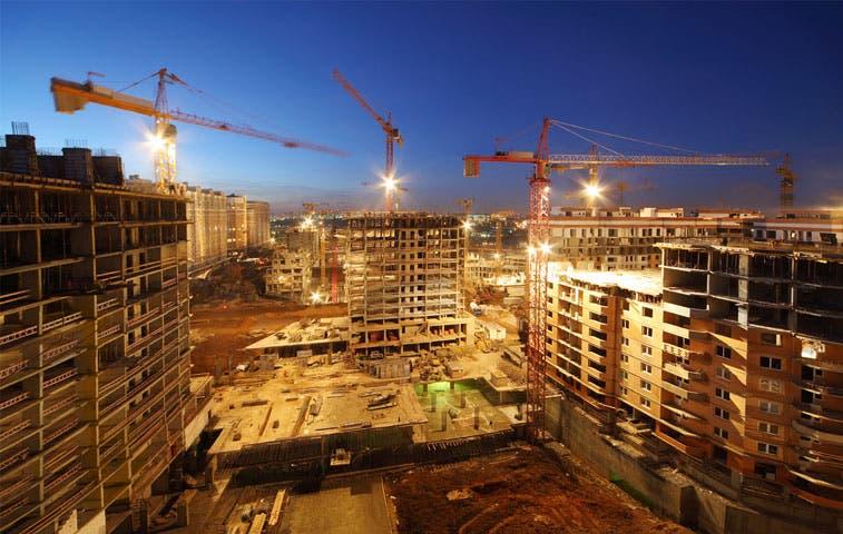 Industria sale del pozo y construcción se desacelera