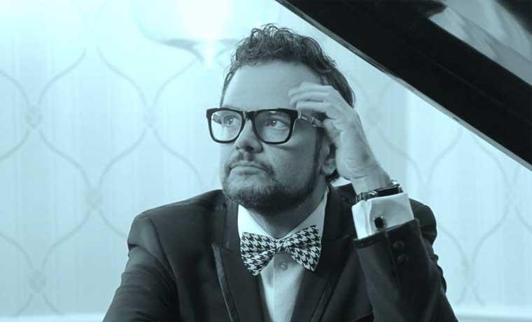 Aleks Syntek cantará en apertura del Hard Rock Café Guanacaste