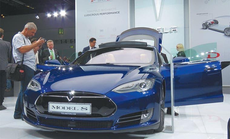 Dueño de Tesla: Vender coches es bueno, pero salvar el planeta, mejor