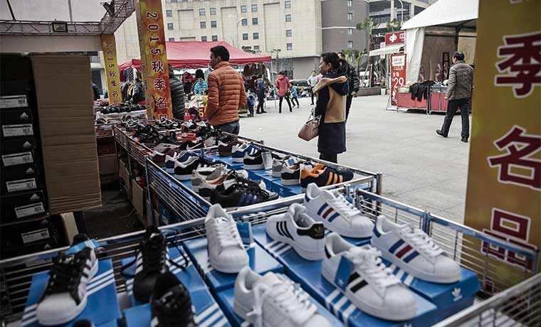 China ve bajar exportaciones pero importaciones moderan su caída