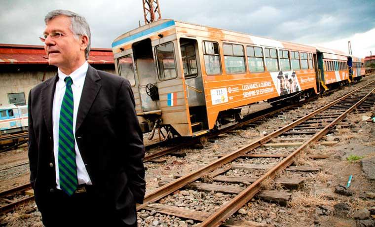 Dinero para tren eléctrico se descarrila