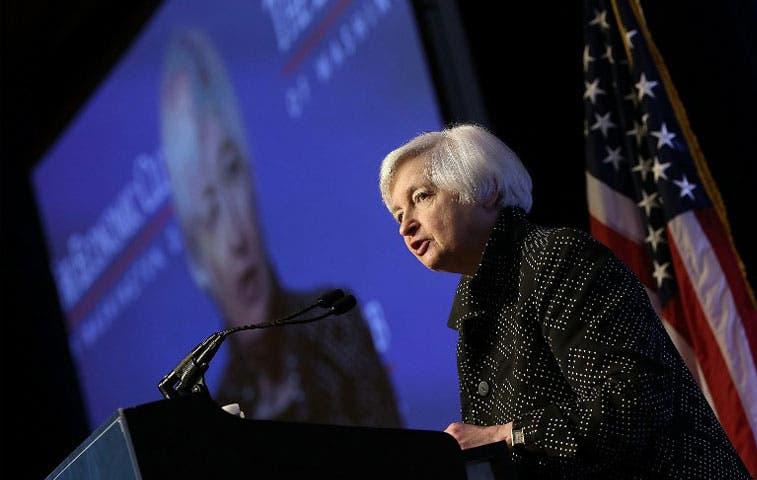 Ante experimento de la Fed, operadores de bonos buscan refugio