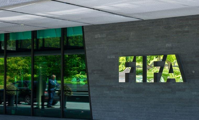 Documentos filtrados llevan a la FIFA a investigar fondo