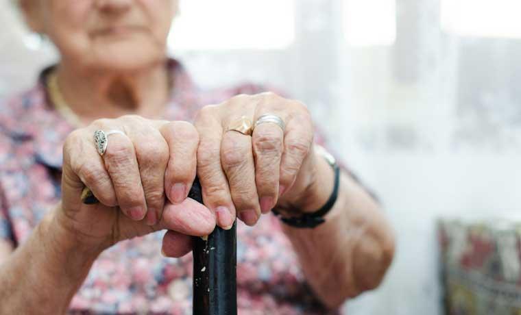 Aumentar edad para pensionarse sería necesario