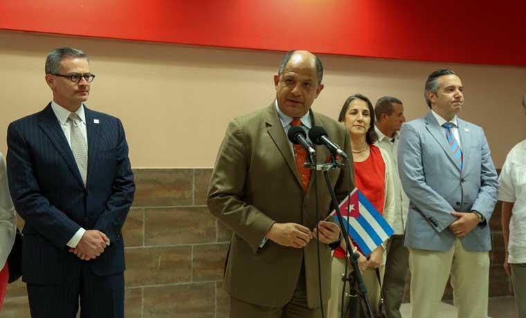 Costa Rica y Cuba firman acuerdo comercial en La Habana