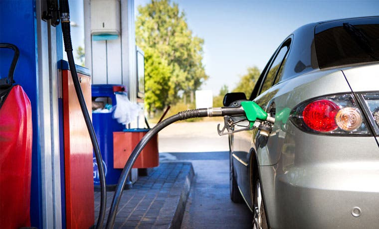 Precios de combustible del 2015 fueron los más bajos en cinco años
